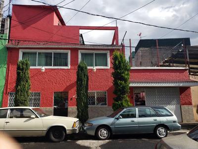 Propiedad Con 2 Casas Y 1 Departamento
