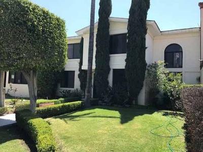 Pueblo Nuevo, Preciosa Casa Con Excelente Ubicación!