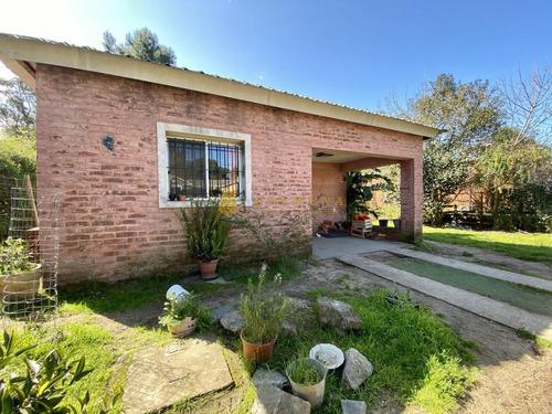 Casa En Lindo Barrio - Consulte !!!!!- Ref: 3348