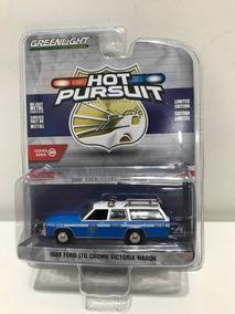 Greenlight Hot Pursuit Ford Ltd Crown Wagon New York City