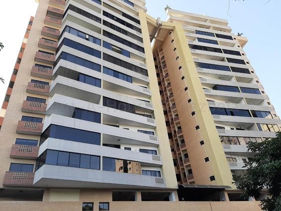 Apartamento En Venta Chimeneas Valencia Carabobo 20-8123 Mjc