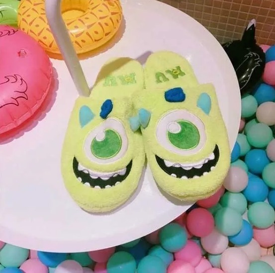 Pantufla Mike Wazowski Monster Ink Talle Único 36-38