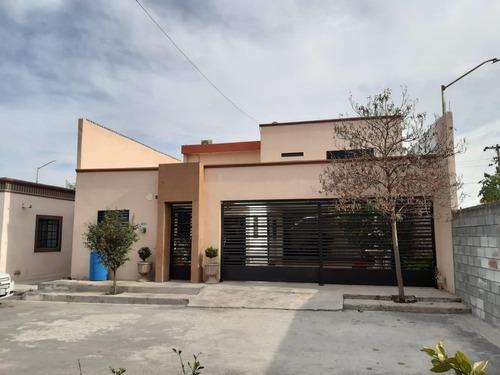 Venta De Casa En Cerradas Del Rey, Juarez Nl
