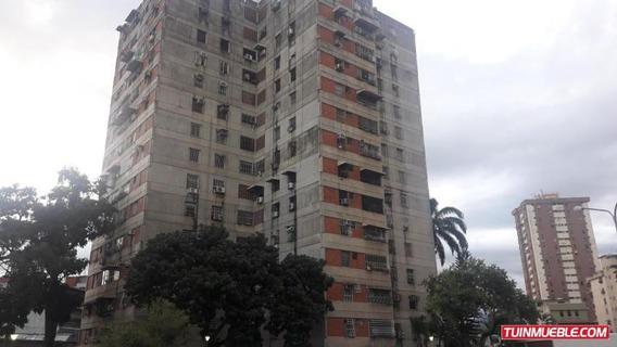 Apartamento En Venta Res Ayacucho Codflex 19-15662 Mcm