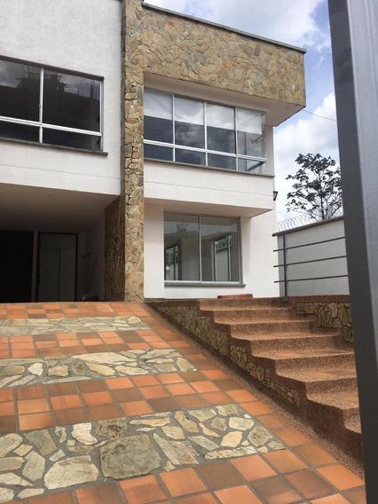 Arriendo Casa De Lujo La Castellana 390 Mts2