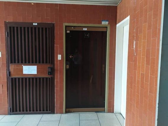 417242 Amplia Oficina En Centro Profesional Plaza