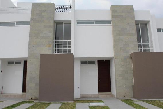 Casa En Venta En Zakia, El Marques, Rah-mx-21-829