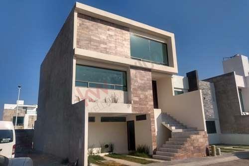 Casa Nueva En Fracc . La Herradura Al Sur De Pachuca Con Salón De Juegos Y Baños En Todas Las Habitaciones