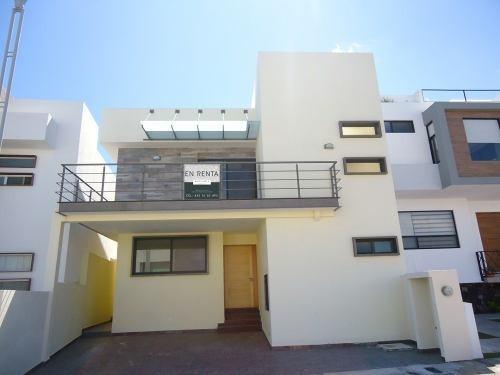 Renta Casa Nueva 3 Recamaras Cuarto Servicio Zibata Privada