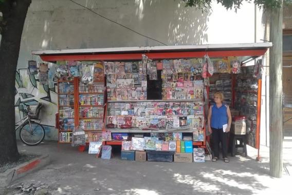 Kiosco Parada Diarios Revistas Oportunidad Reparto Clientela