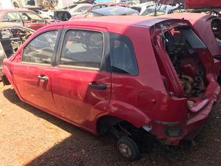 Traseira Com Teto Fiesta Hatch Vermelho