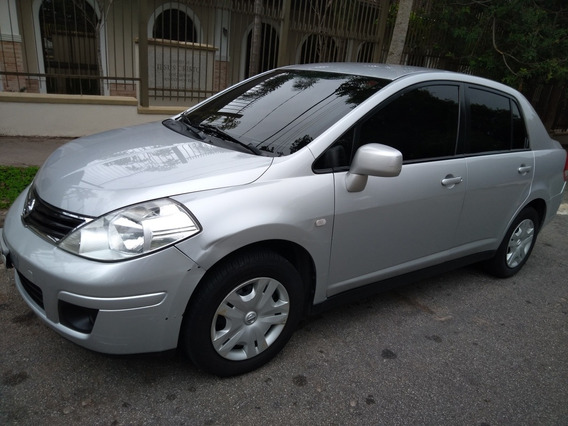 Nissan Tiida Sedan 1.8 Flex 4p 2011
