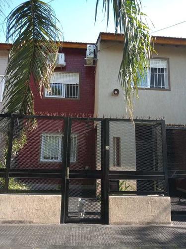 Duplex - 4 Ambientes - 3 Dormitorios - 2 Baños - Fdo.libre