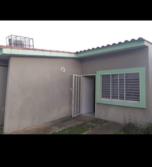 Venta De Casa Urbanización Monterrey I, Palma Real