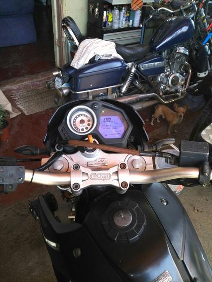 Um 250cc Al Dia