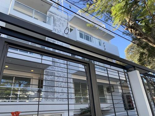 Venta Con Renta De Apartamento  2 Dormitorios Con Patio, Terraza, Gge Y Box En Malvín