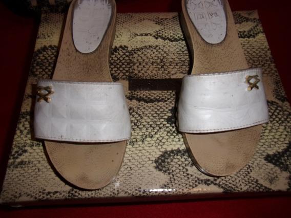 Sandalias De Cuero Blancas De Ricky Sarkany