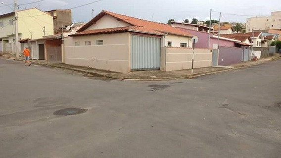 Casa Com 3 Quartos Para Comprar No Vila Santa Rita Em Andradas/mg - 1199