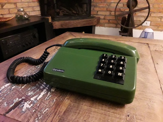 Aparelho Telefone Teclas Gradiente Cor Verde