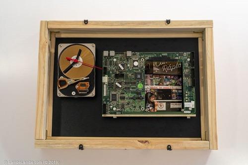 Relógio De Parede Porta Retrato Hdd Placa Tonica Elektronik
