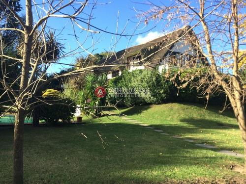 Casa En Venta Y Alquiler, Golf, Punta Del Este, 4 Dormitorios.- Ref: 6414