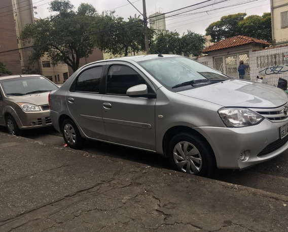 Toyota Etios Xs Sedan 1.5 Flex 16 V 4 P Mec