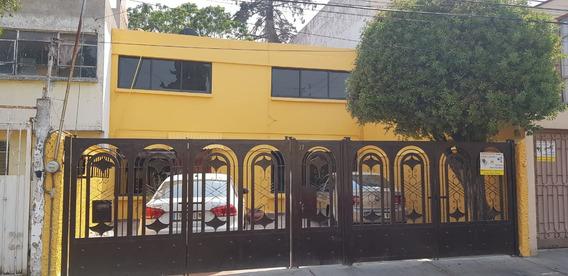 Rento Hermosa Casa Recien Remodelada