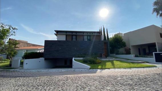 Casa En Venta En El Campanario, Queretaro, Rah-mx-20-3697