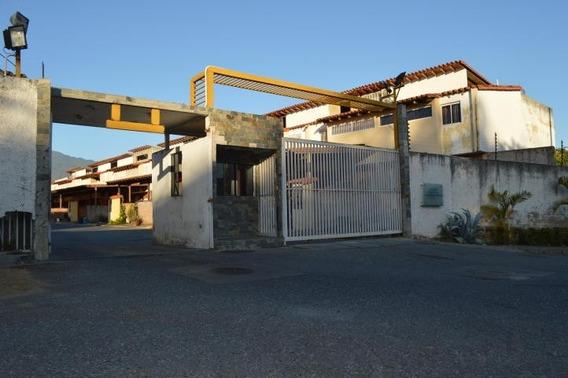 Townhouse En Venta Omaira Perez Mls #19-7136