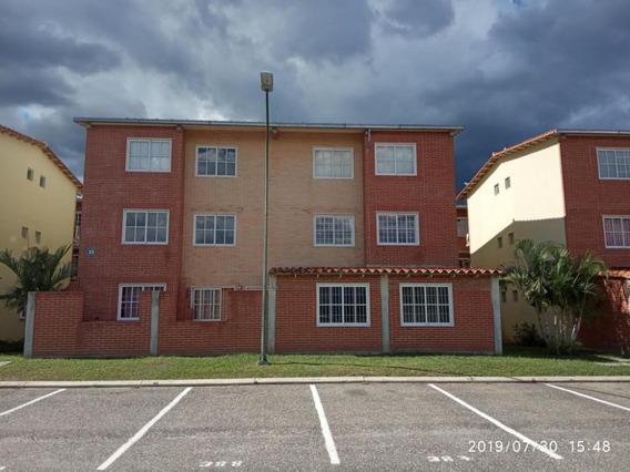 Cm 20-15932 Apartamento En Venta Alto Grande
