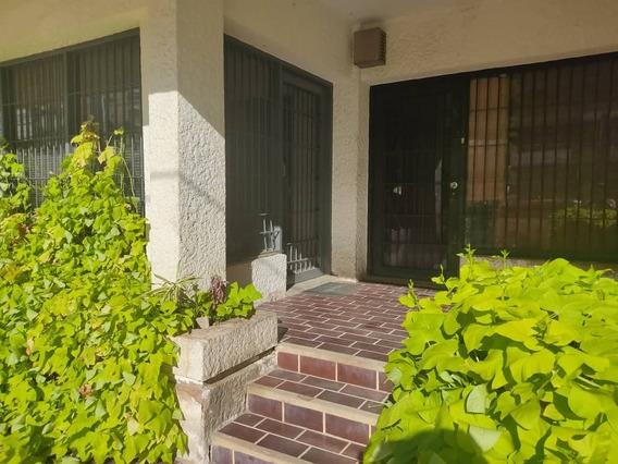 Casa Comercial En Alquiler En Calle 72 Api 34933 Eviana M.