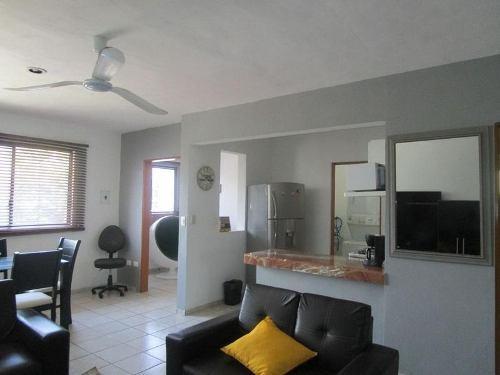 Se Renta Departamento 2 Hab Centro Playa Del Carmen P2448