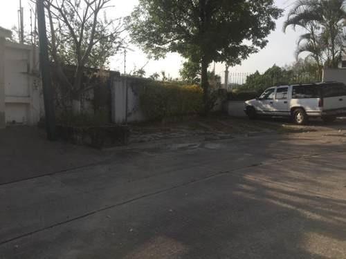 Terreno Urbano En Palmira Tinguindin / Cuernavaca - Caen-444-tu