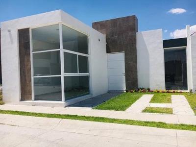 Casa En Venta En Condominio Misión Juan Pablo Ii, Ags.