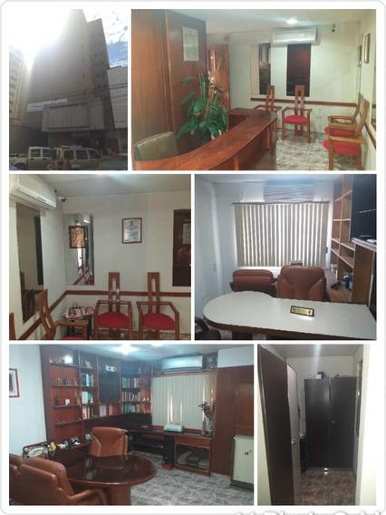 Oficina En Venta Centro De Maracay/ 04243174616