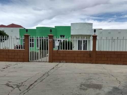 Amplisima Propiedad En Cd. Cuauhtemoc. Cuenta Con Locales Comerciales, Casa Habitacion Y Terreno
