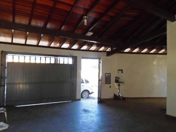Casa Para Venda Em Araras, Jardim José Ometto I, 3 Dormitórios, 1 Banheiro, 2 Vagas - V-216