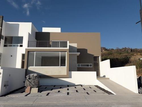 Se Vende Preciosa Casa En Lomas De Juriquilla