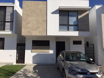 Casa En Renta En Fraccionamiento Bonaterra