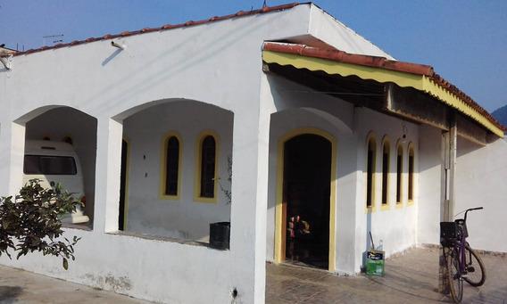 Casa Em Peruíbe A Poucos Minutos Da Praia Do Centro