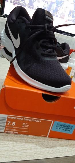 Zapatillas Nike Revolution 4 (1 Solo Uso)