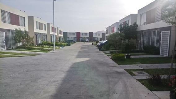 Casa 3 Recamaras En Zapopan, Fracionamiento Somos