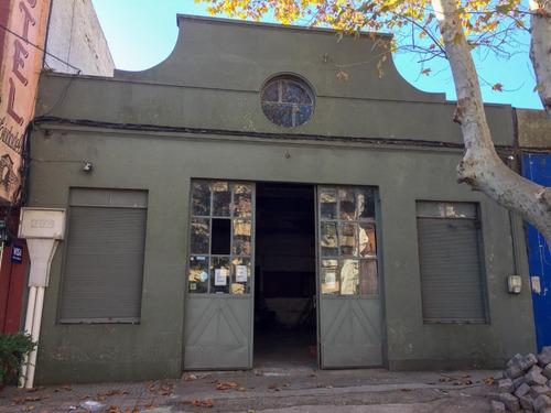 Imagen 1 de 1 de Local De 280m2 En Pleno Centro De Colonia