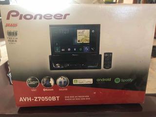 Autoestéreo Pioneer Avh-z7050bt