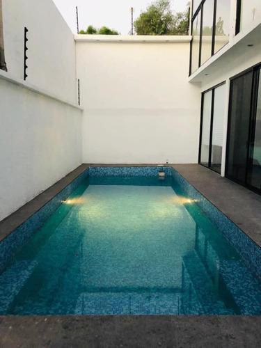 Imagen 1 de 16 de Preciosa Residencia En Jurica, Alberca Propia, Jardín Y Gym,