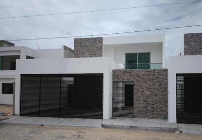 Casa En Venta En Mérida, San Diego Cutz, Alberca, 282 M2 De Construcción, Norte.