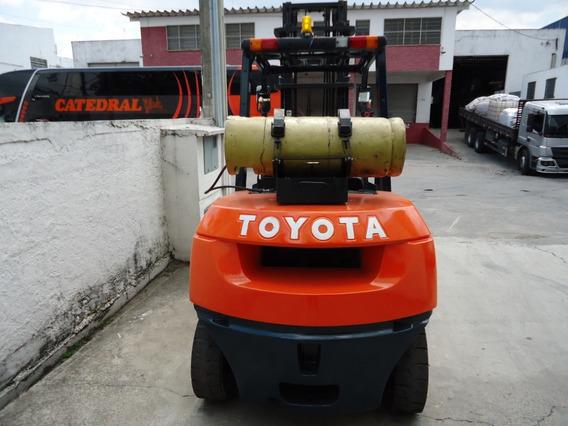 Empilhadeira Toyota 4t - Revisada Funcionando