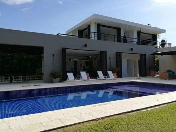 Se Alquila Casa Campestre En Barranquilla