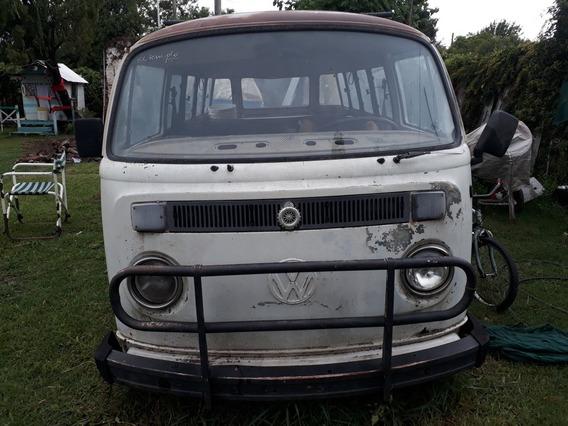 Volkswagen Kombi Modelo T Vidriada