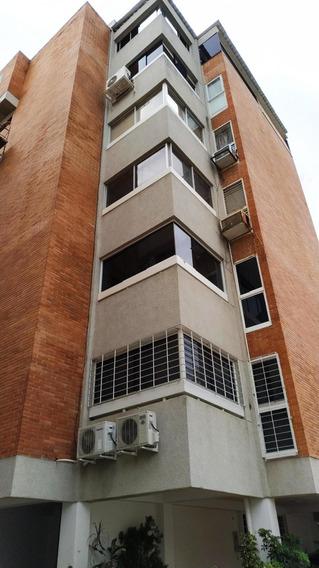 Apartamentos Lomas De Las Mercedes Mls #20-21394